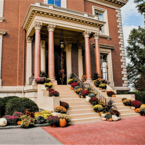 Mansion entrance in the Fall